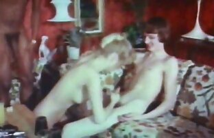 Joven zorra negra chupa y porno idioma español latino folla a dos chicos blancos